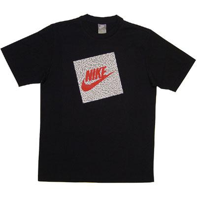 Niklas Schlafbereich Nike_tee_block_logo