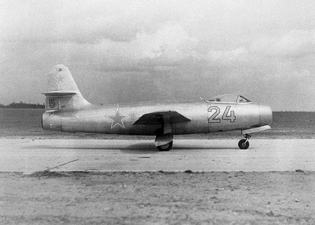 YAKOVLEV - avioni konstruktora Jakovljeva Yakovlev-Yak19