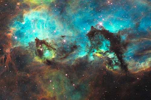 تجليات ملكوت السماء ..من خلال تلسكوب هابل Ngc2074a_hst