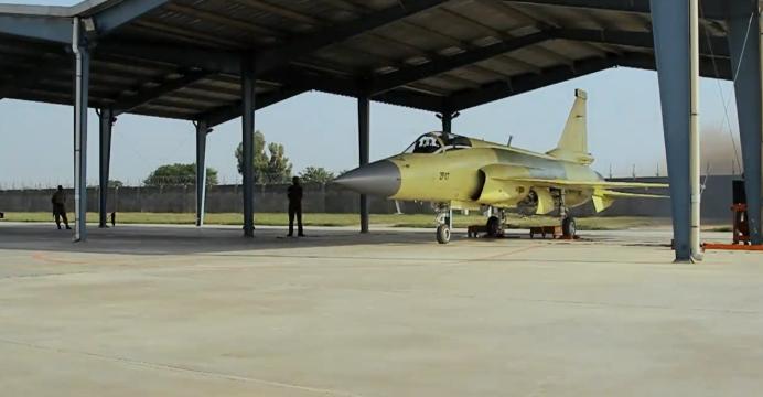 هل تشتري السودان ال JF-17 Thunder  JF-17-Block-2-01-692x360