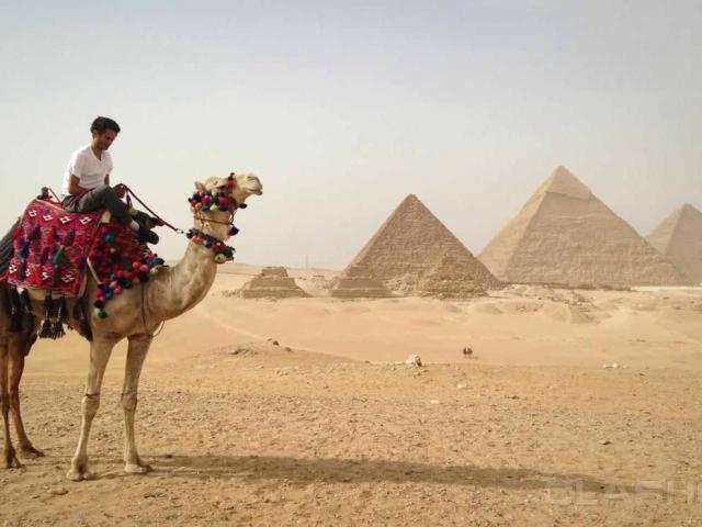 Ghosts of the pyramid - البوابة Thumb_w800