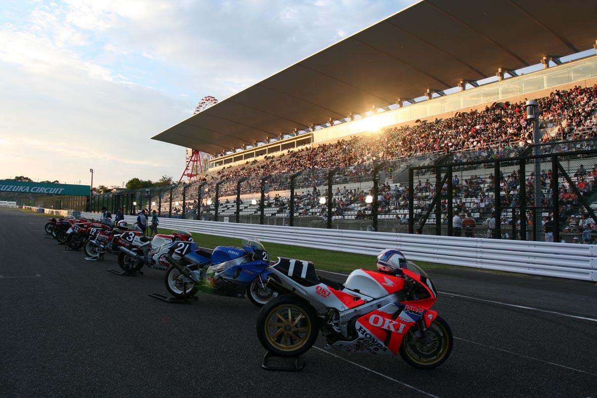 Livre, Magazine, En kiosque, Presse Spécialisée, Canard Moto, Bouquin  - Page 3 Racers_blog_suzuka_report_part2_14