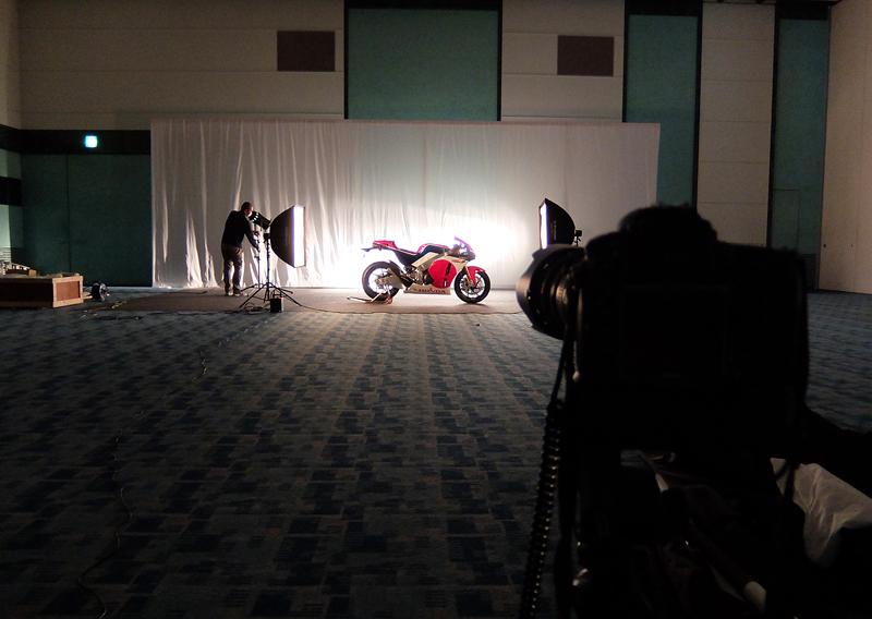 Honda RC213V-S - Page 2 Hon_new