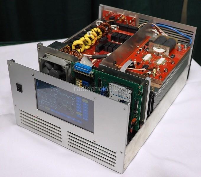 Amplificateur HF à transistors : B26-PA RF2K5 Solid State Amplifier (kit) RF2K5_Solid_State_Amplifier_rf-kit