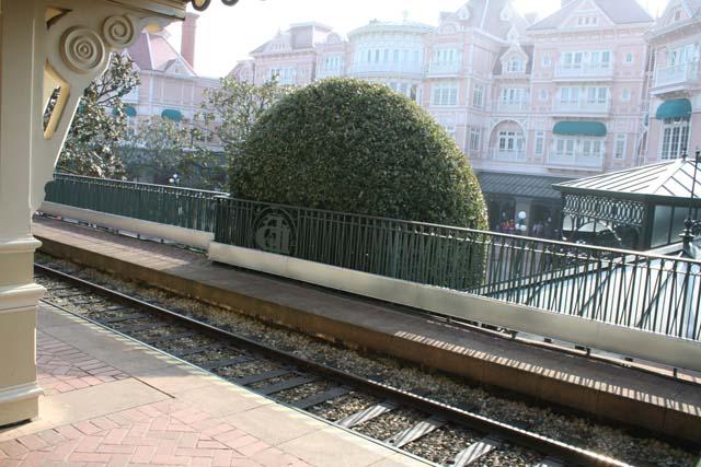 Le 20ème anniversaire de Disneyland paris  - Page 37 IMG_0604