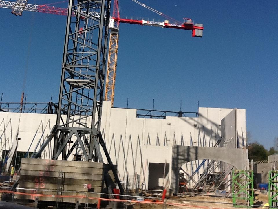 """Construction du Dark Ride  """"Ratatouille - L'Aventure Totalement Toquée de Rémy """"pour 2014 IMG_0039"""