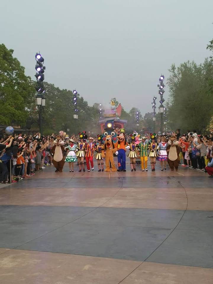 Novità Shanghai Disneyland Resort - apertura 16 giugno 2016 13472403_10208567599681287_983942585_n