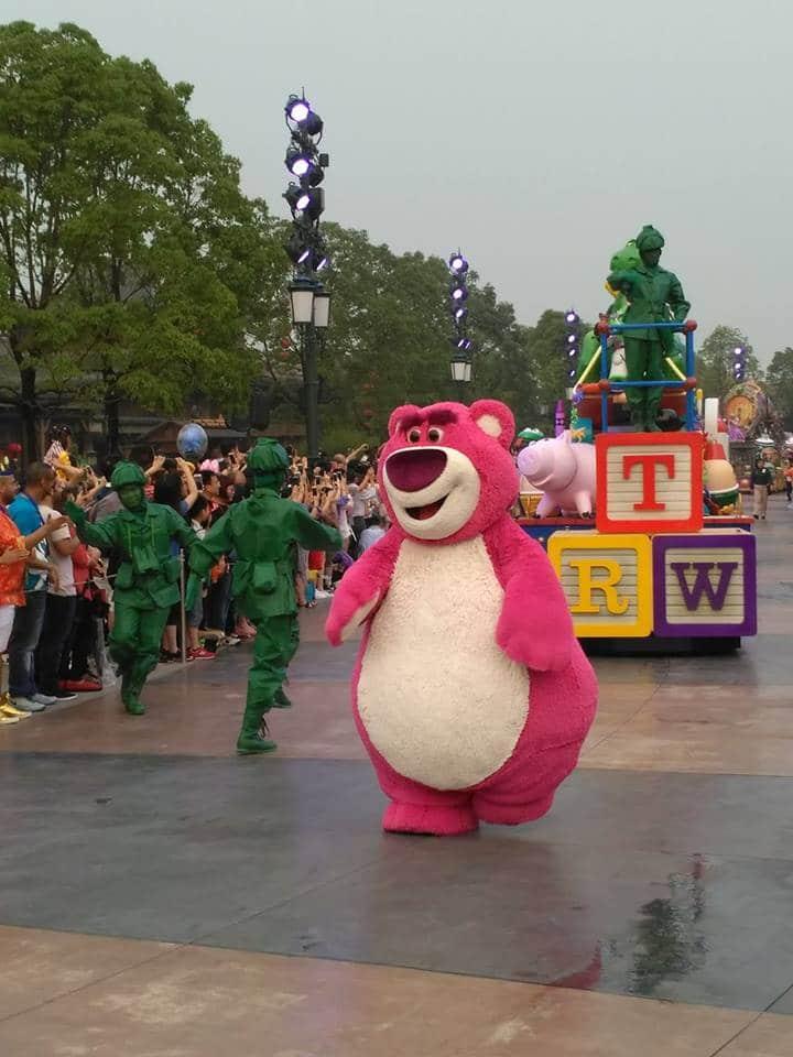 Novità Shanghai Disneyland Resort - apertura 16 giugno 2016 13473881_10208567601841341_2006619982_n
