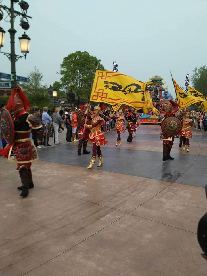 Novità Shanghai Disneyland Resort - apertura 16 giugno 2016 13479758_10208567608801515_1607806115_n