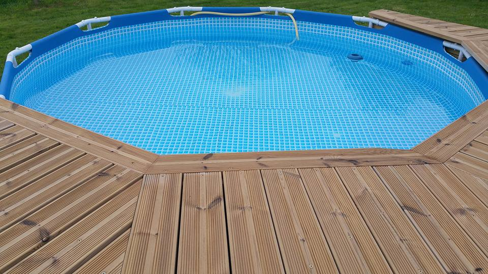 Ma mini piscine avec mini terrasse :)  9