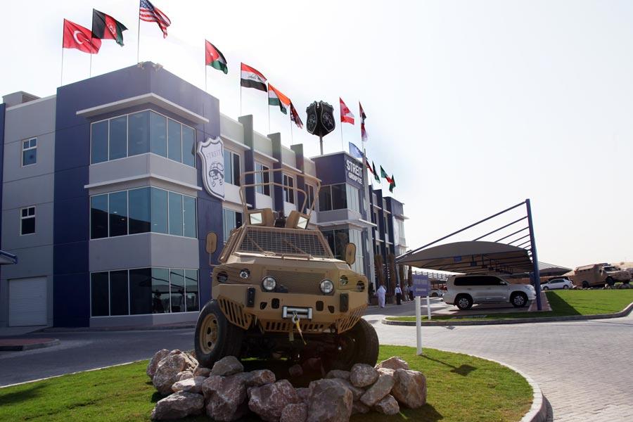 شركات بناء المركبات المدرعه و المصفحه في دولة الامارات العربيه المتحده  (12)