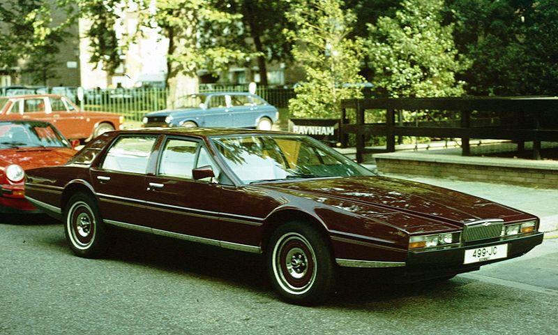 Aston Martin Lagonda 1974 800px-aston_martin_lagonda_west_london