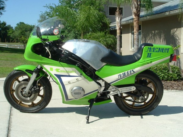 toutes docs ou photo de moto Harris Harris-left-600x450