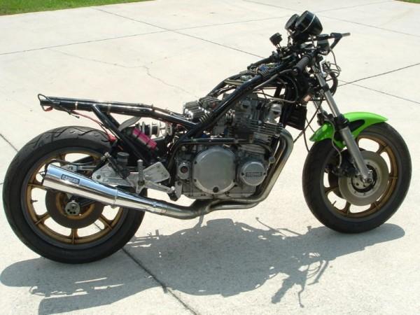 toutes docs ou photo de moto Harris Harris-right-naked-600x450