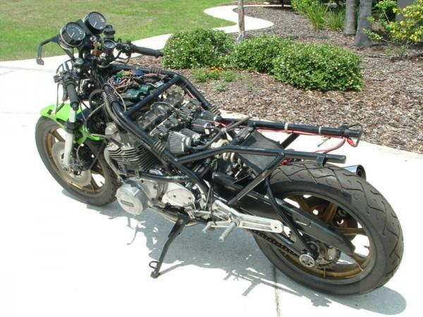toutes docs ou photo de moto Harris Harris-top-naked-600x450