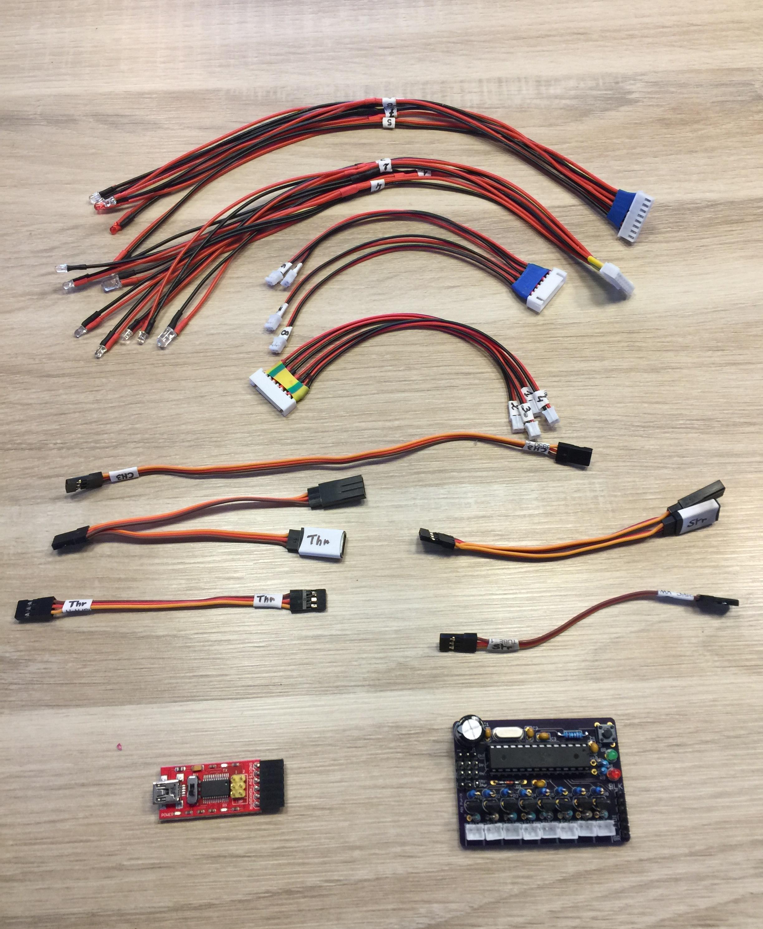 [VENDS] Kit LED RC entièrement configurable Kit_LED-Carte_sur_chassis