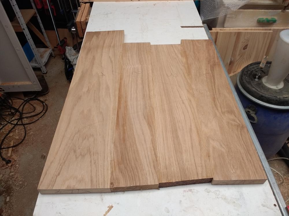 Une table basse pompée Tb_11