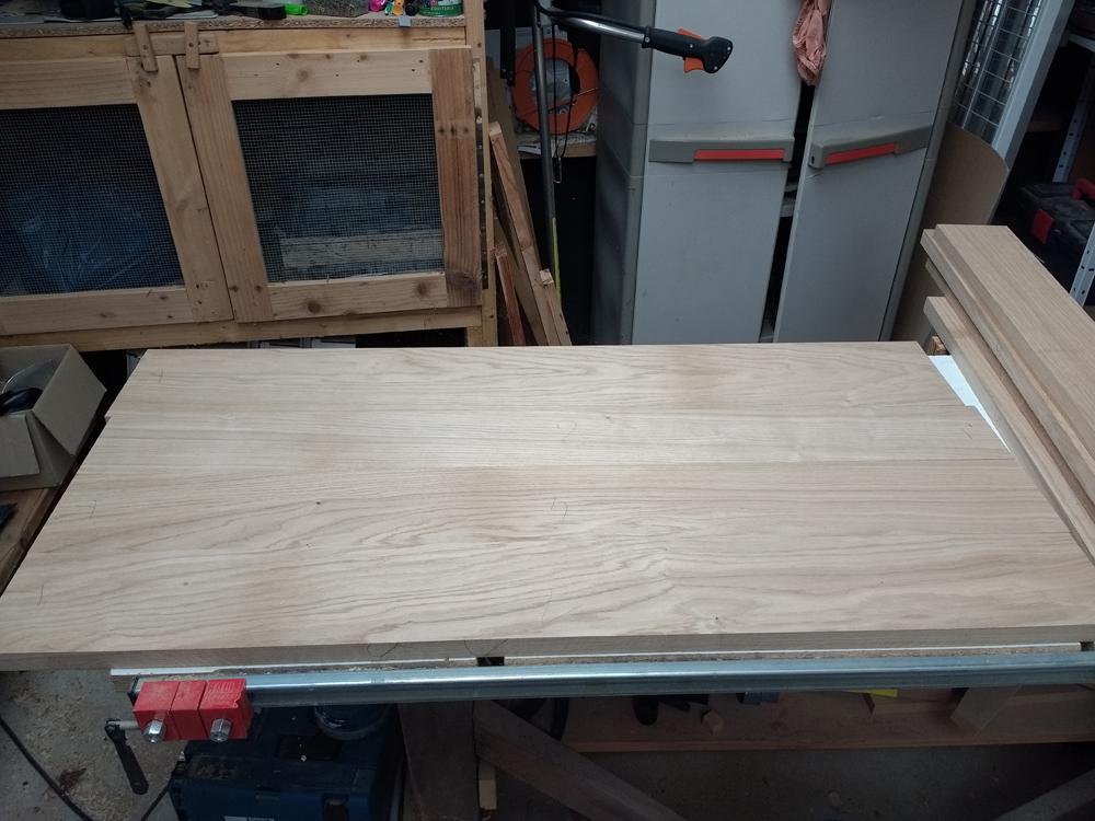 Une table basse pompée Tb_3
