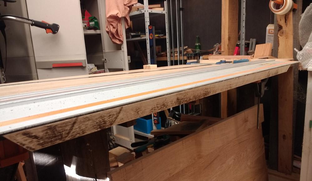 Une table basse pompée Tb_44
