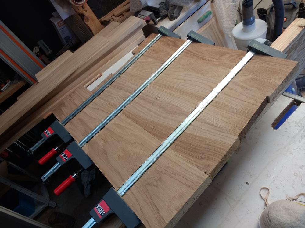 Une table basse pompée Tb_5