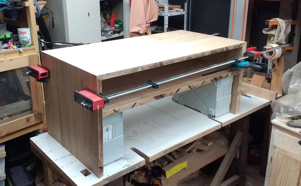 Une table basse pompée Tb_53