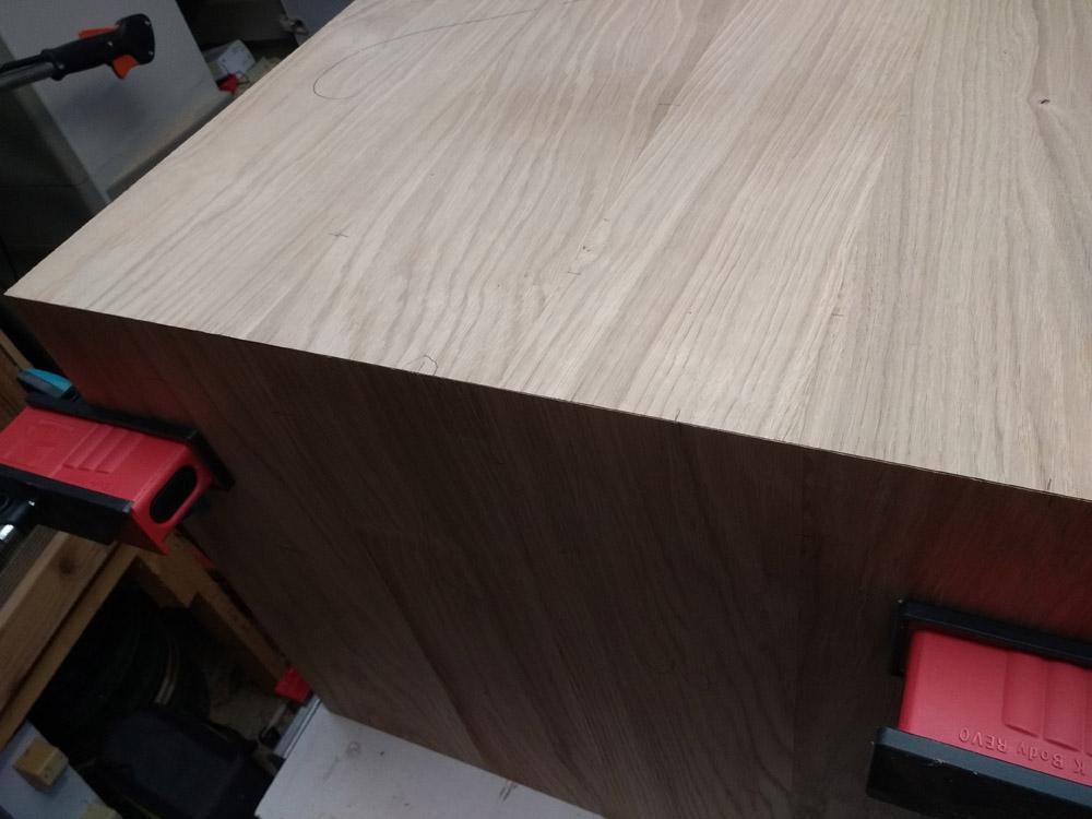 Une table basse pompée Tb_54