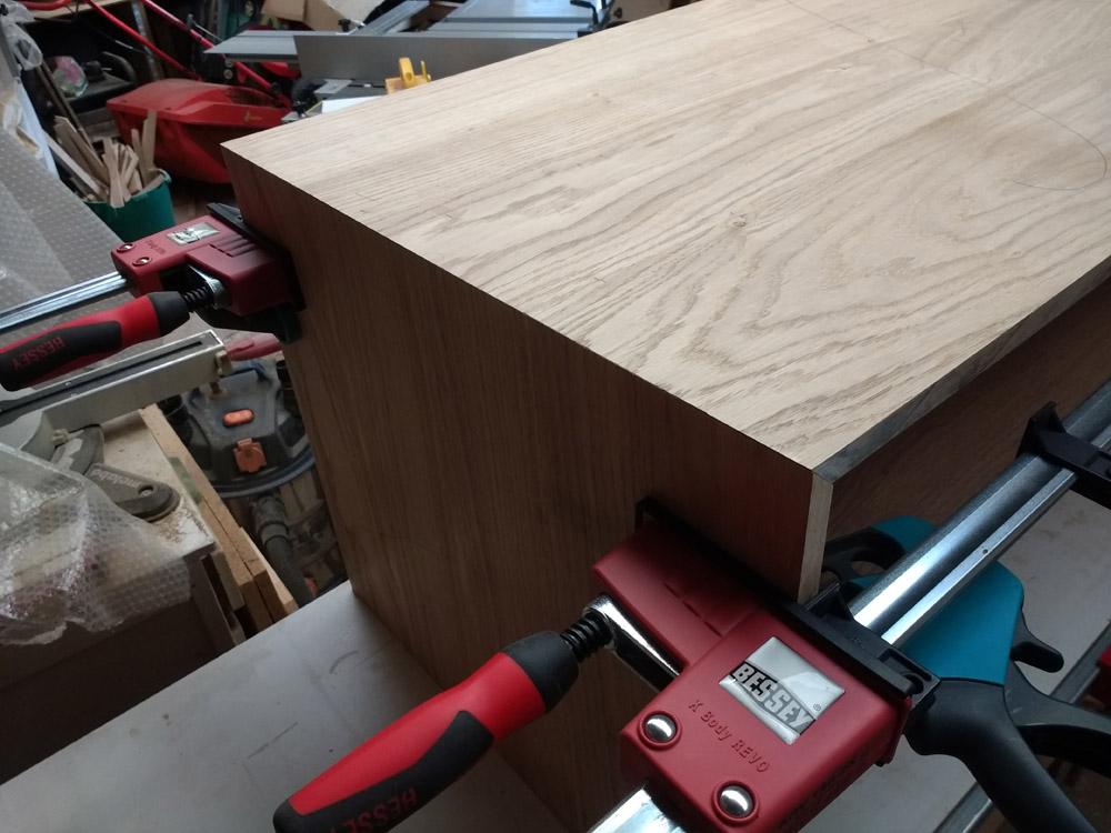 Une table basse pompée Tb_55