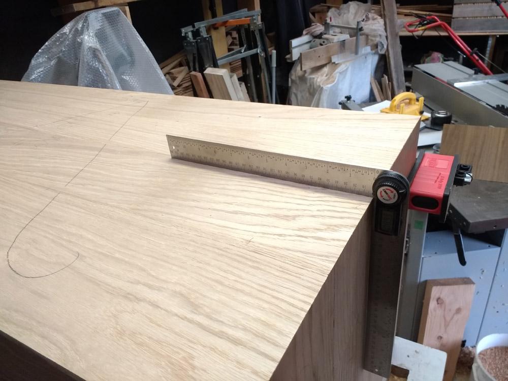 Une table basse pompée Tb_58