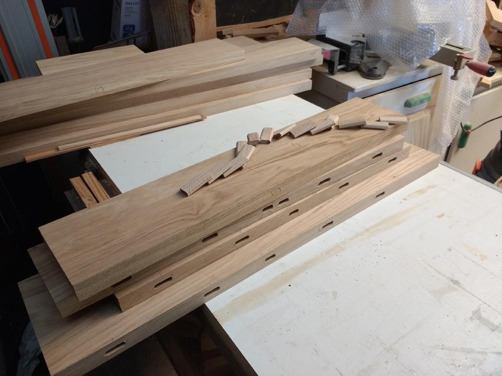 Une table basse pompée Tb_7