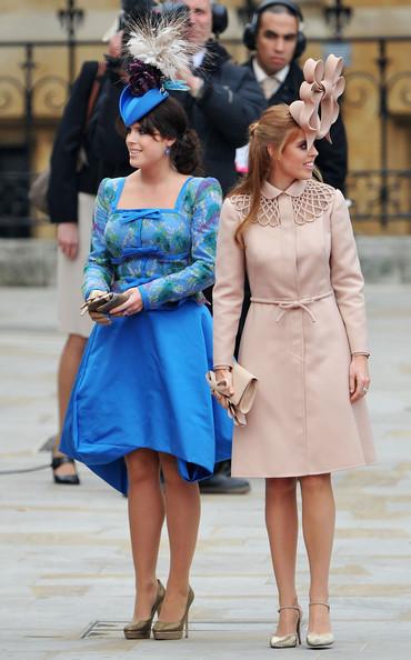 Королевская свадьба: Как Британия нарядилась к торжеству - Страница 2 Shlapki_na_korolevskoy_svadbe_ke_readmas.ru_16