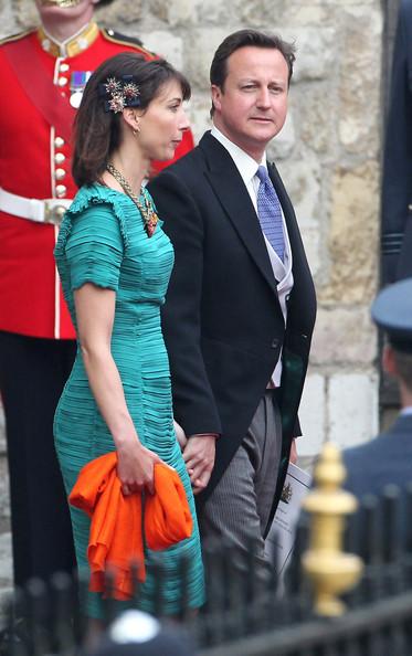 Королевская свадьба: Как Британия нарядилась к торжеству - Страница 2 Shlapki_na_korolevskoy_svadbe_ke_readmas.ru_17