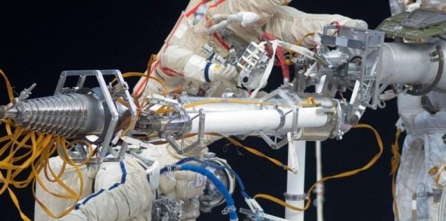 Le TsUP perd temporairement le contrôle de plusieurs satellites civils. 4766319
