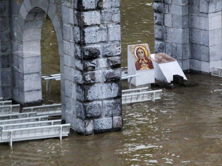 EN IMAGES. Inondations dans le Sud-Ouest 5948091