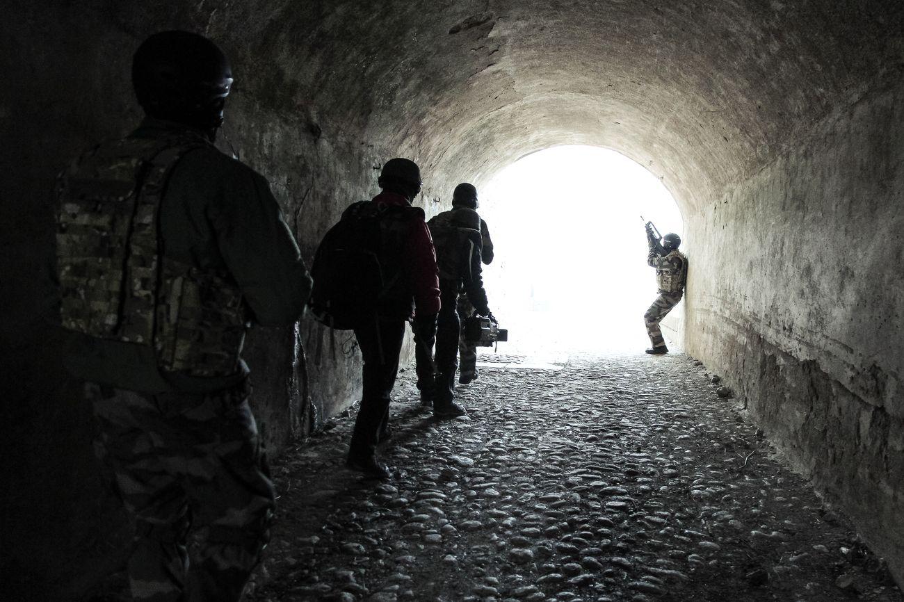 Guérilla et prise d'otages : comment l'armée forme les reporters de guerre 6864419