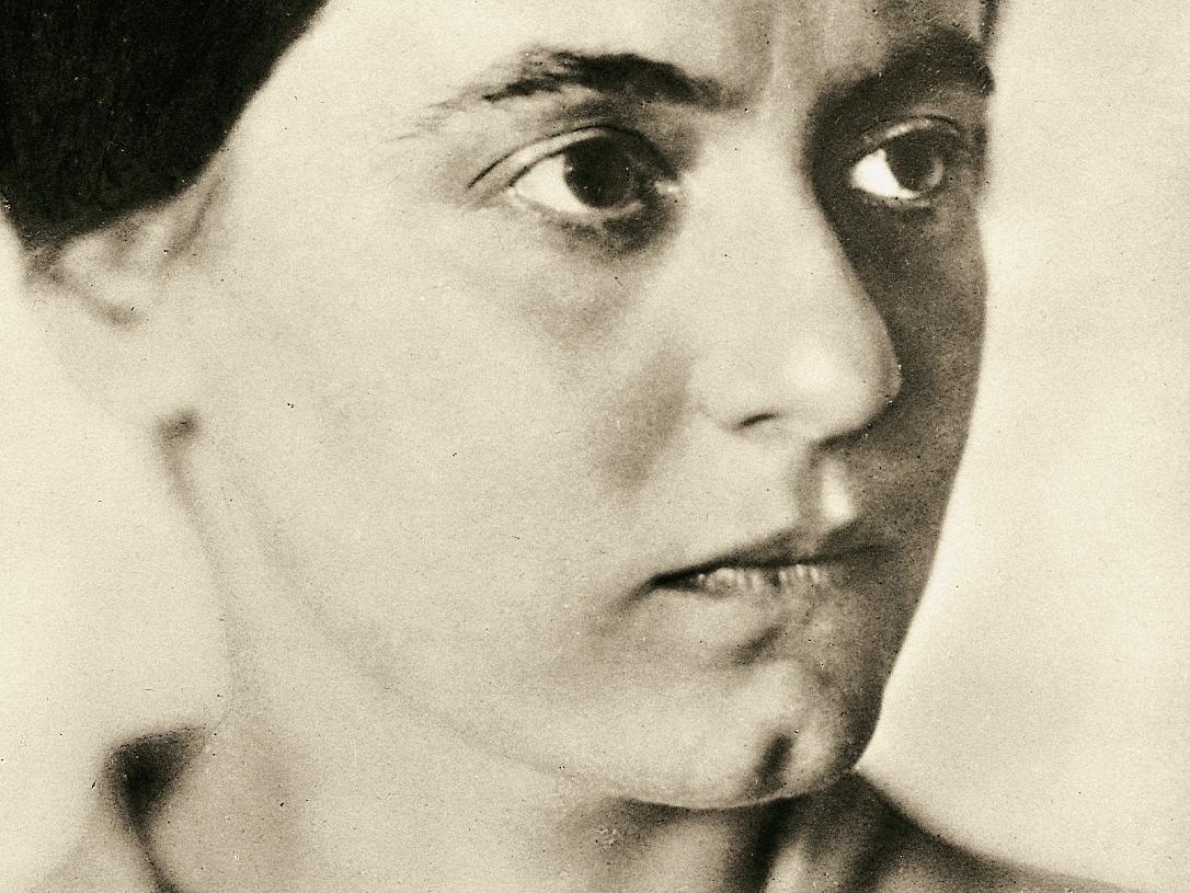 Edith Stein:Histoire d'une Carmélite d'origine juive exécutée.....    Edith-stein-die-suche-nach-der-wahrheit-war-mein-einziges-gebet-teil-1