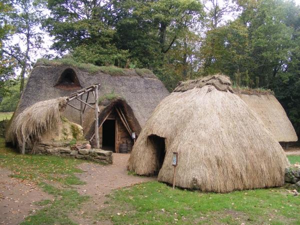 Maisons bretonnes Xème Village-de-lan-mil