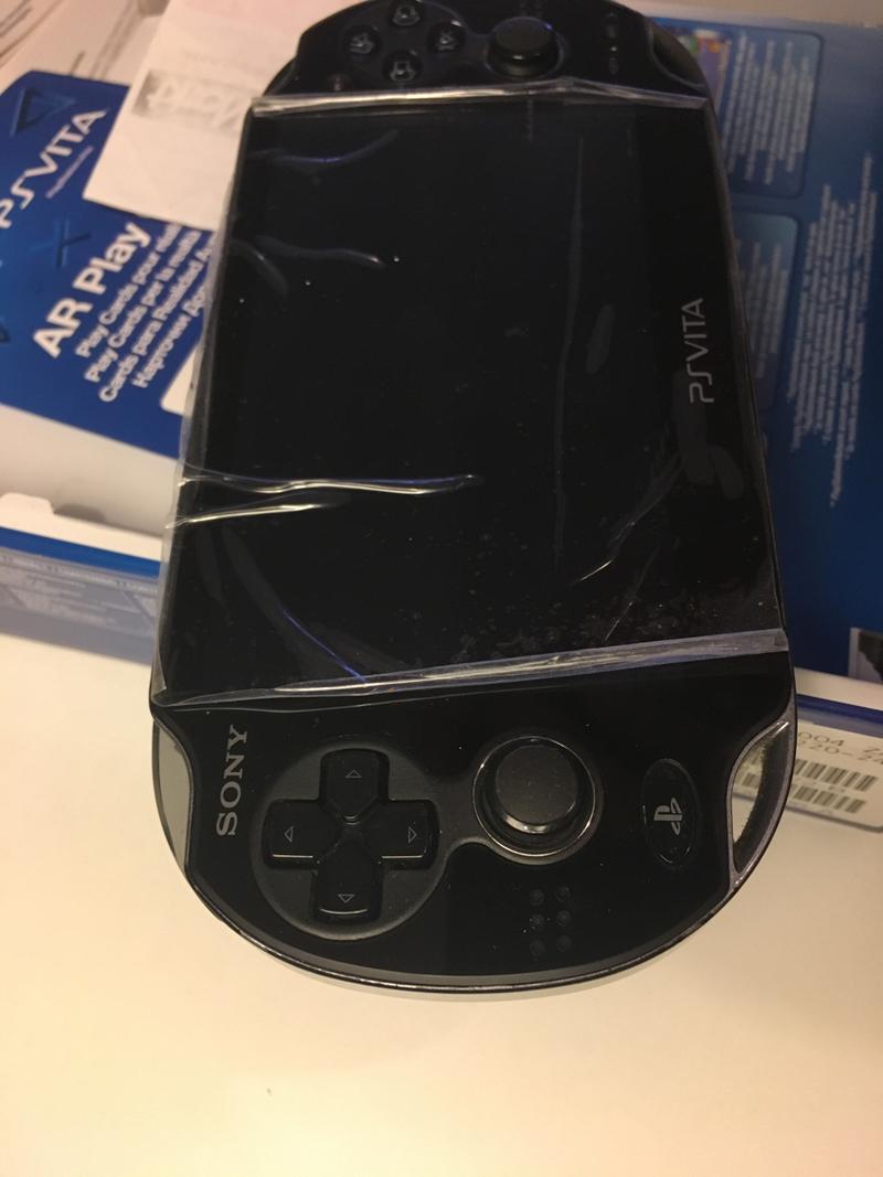 [ECH] Des console portables et des jeux [RECH] Consoles HS [DON]SD2VITA Fe84566db30845ac28f2070b9542a57562457d08