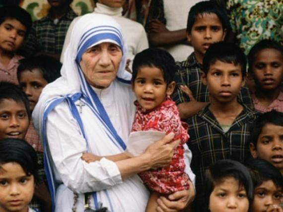 Michel blogue les 450 citations/Bienheureuse Mère Teresa de Calcutta/Navigation Libre/ Soeurs-m%C3%A8re-Teresa-ferment-services-menace-adoption-c%C3%A9libataires-divorc%C3%A9s-e1444748265917