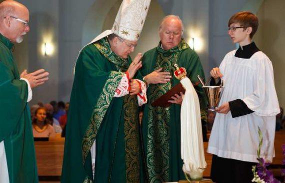Cardinal Burke : la Russie n'a pas été consacrée  Cardinal-Burke-Russie-pas-consacr%C3%A9e-Notre-Dame-Fatima-e1507646569927
