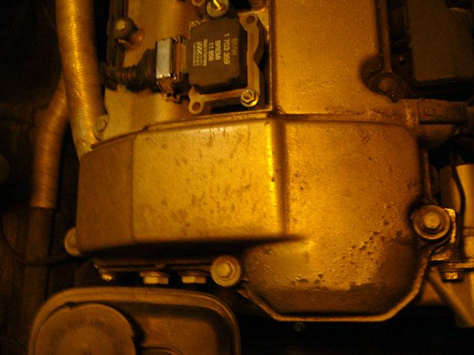 [Moteur M50] Repeindre un couvre-culasse qui s'écaille Avant1