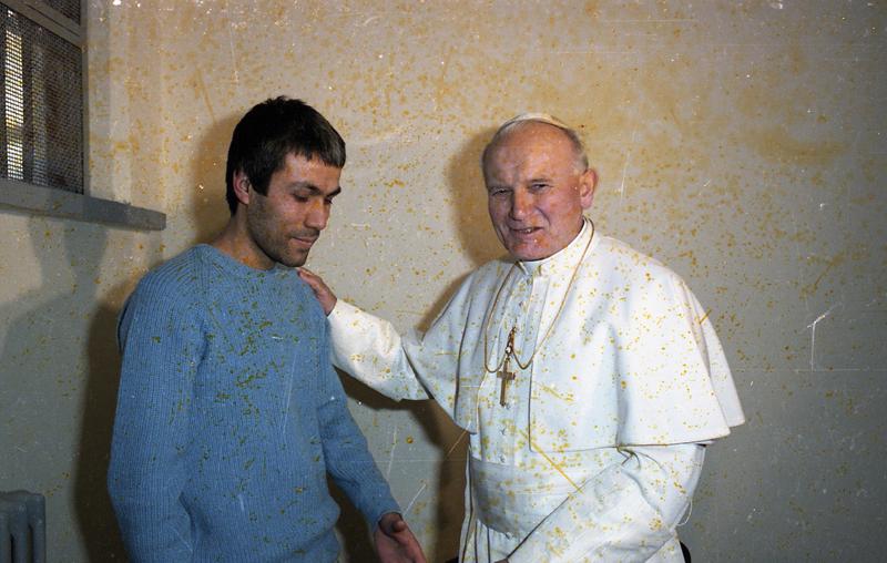 Pour que la Miséricorde porte du fruit!! ThumbRNS-POPE-SHOOTER122914