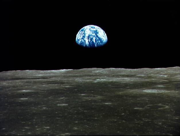 La Lune renferme autant d'eau que notre planète G_Terre_lune_1