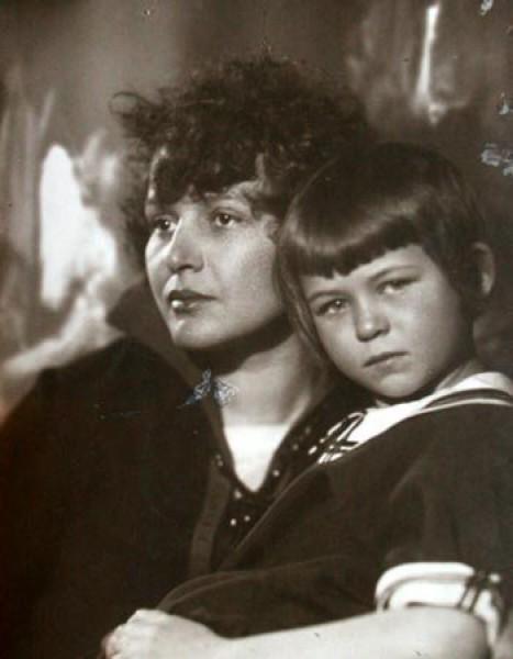 Татьяна Сергеевна ЕСЕНИНА о своих родителях — Зинаиде Райх и Сергее Есенине 003143