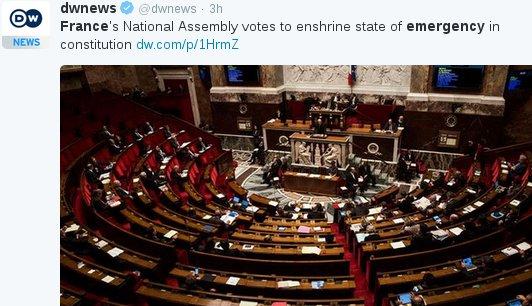 Chute des libertés: Edward Snowden adresse un message à la France en français CayCxvKWIAEwKXB