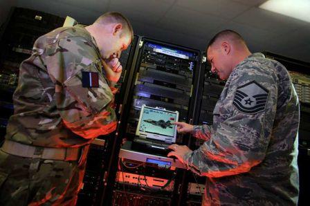 La science du transhumanisme  F-35_ALIS_Testing_m