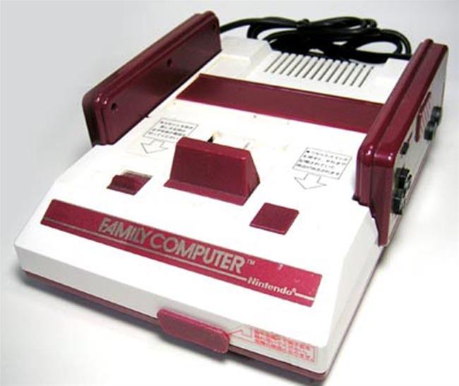 les changements du jap au pal  Nintendo-Famicom-Family-Computer-1041428
