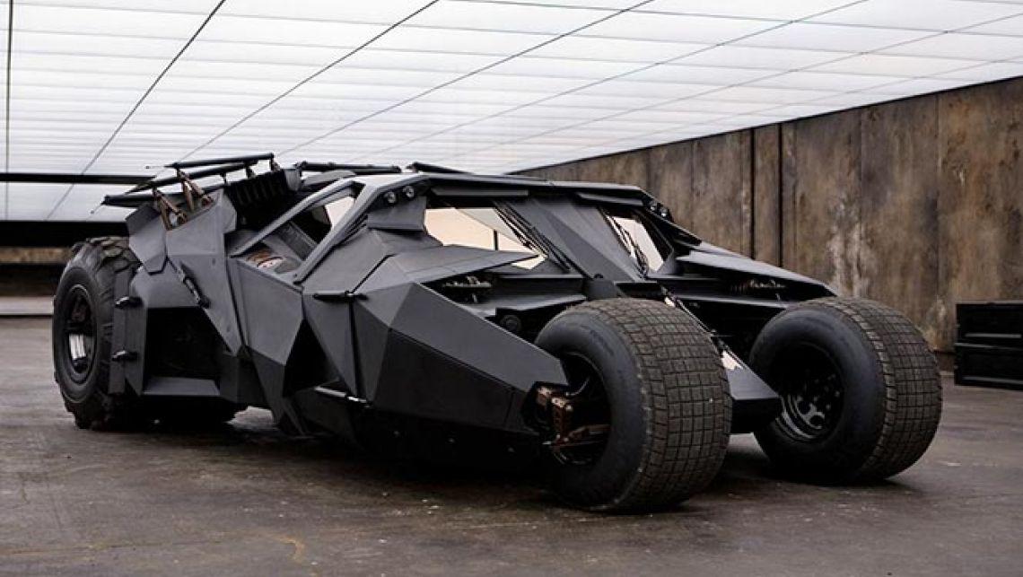 spécial varg Batmobile-Tumbler-2005-2012-the-dark-knight