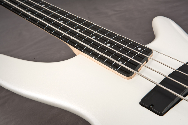 O que é EBONOL? SR300PWF_ebonor_fretless