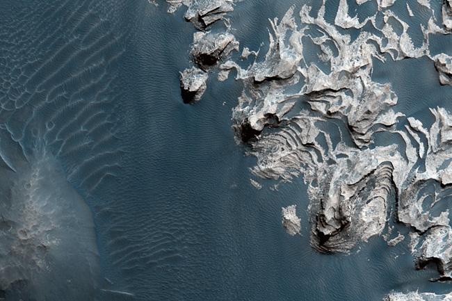MRO et la Nasa livrent 1500 nouvelles images de Mars ! 991868-mars-close-up