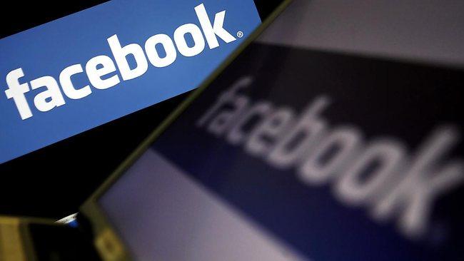 Vous aimez votre Smart Phone? Vous téléchargez des Apps sur Facebook et Youtube ? 300980-facebook